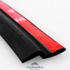 Уплотнитель универсальный имеет форму Z-образную. Много куда можно применить данный уплотнитель на автомобиле. Чаще всего сталкиваются с проблемой владельцы автомобилей универсалов и хэтчбеков, в том числе Лада Веста СВ, СВ Кросс и Лада Х Рей, Х Рей Кросс, что в верхней части крышки багажника между крышей и багажником скапливается снег и лед, что не позволяет полноценно открыть крышку багажного отделения. Рекомендуемые места установки Z-образного уплотнителя: - задняя верхняя часть багажной двери Лада Веста СВ, Лада Х Рей - между передним крылом и передней дверью - задняя часть задней пассажирской двери Материал : резина Длина: 3 метра (300 см)