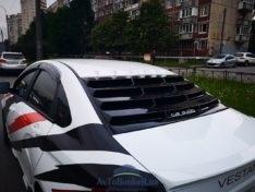 Решетка жалюзи Storm на заднее стекло Lada Vesta \черный глянец\